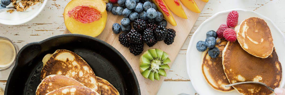 1500x500px Pancake-mit-Whey-Pudding-und-Früchten