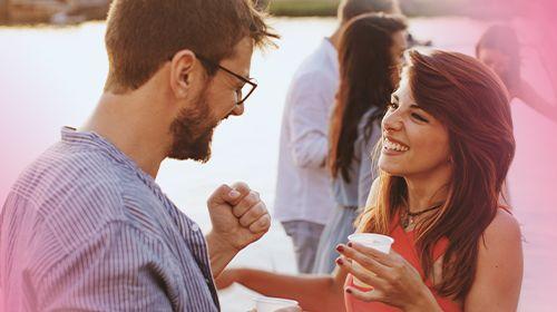 Flirttipps: Die besten 6 Tipps für Schmetterlinge im Bauch!