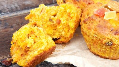 Osterhasenmuffins mit Karotten-Dattel-Füllung
