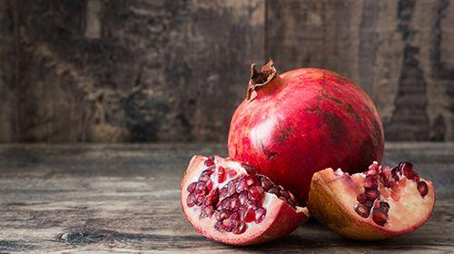 Granatapfel - alles über die Frucht mit den rubinroten Kernen