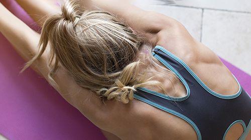 Effektive Rückenübungen für zuhause und im Fitnessstudio