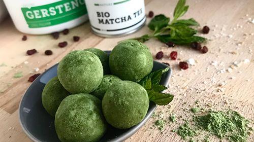 Matcha-Gerstengras Protein Balls