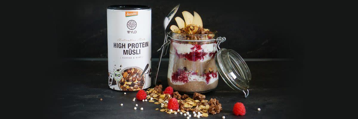 Protein Schichtmüsli im Glas