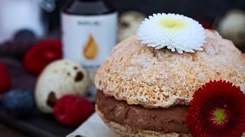 Riesen-Macarons mit Kürbis und einer Extraportion Eiweiß