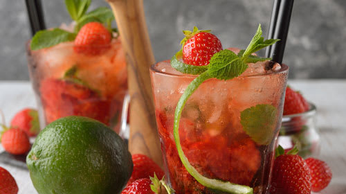 Low Sugar Strawberry Mojito