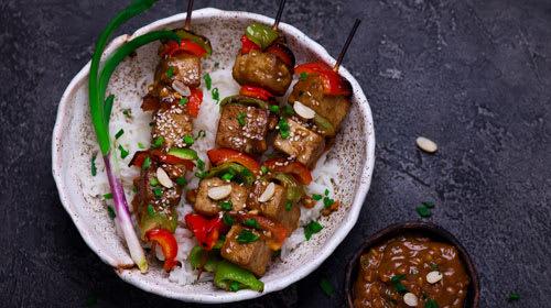 Grilled Tofu Bowl mit Reis