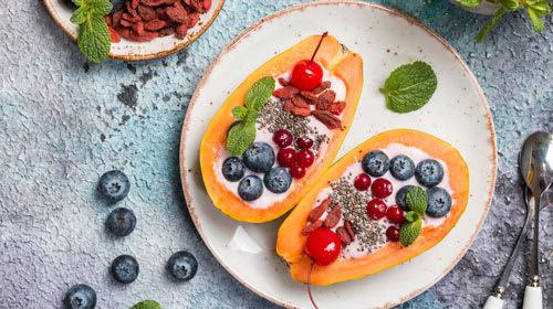 Löffel-Papaya mit Caribbean-Kokos-Cream