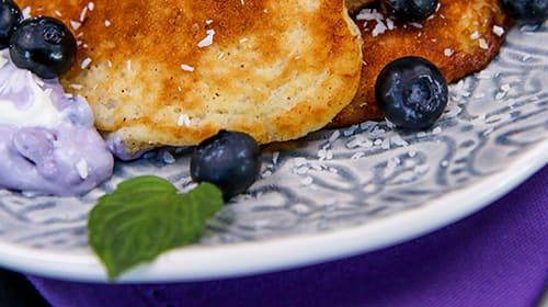 Kokos-Pancakes mit Blaubeermascarpone